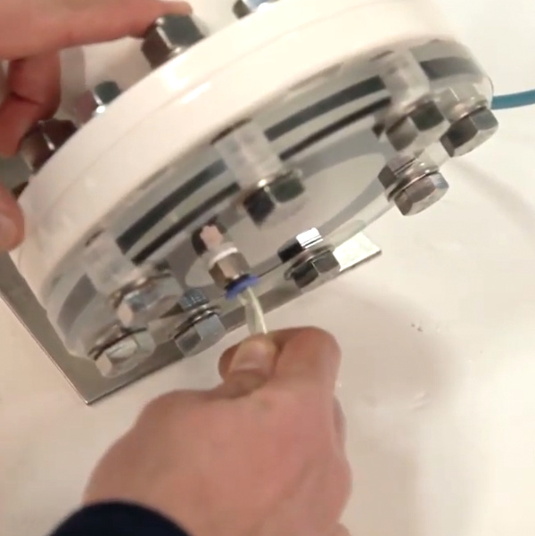 piping vacuum to a pinch valve